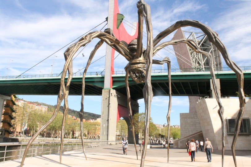 Maman, a spider sculpture created by Louise Bourgeois