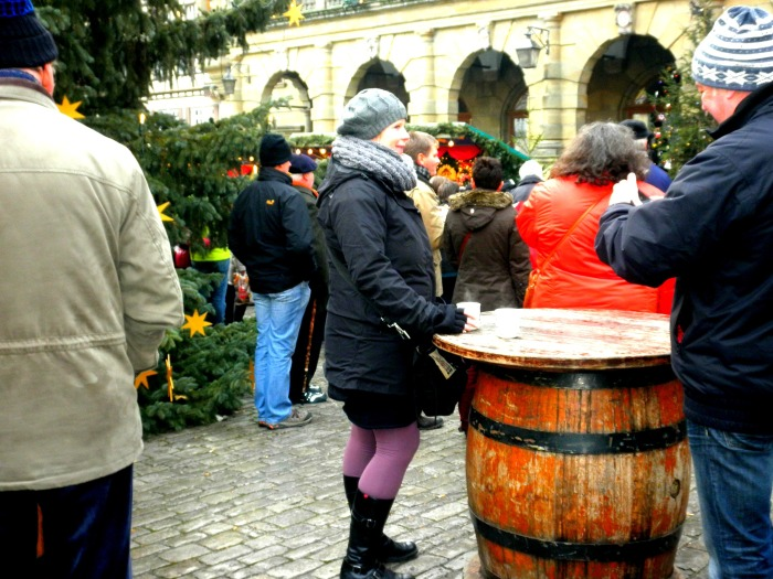 Barrels were used as tables near the food stalls